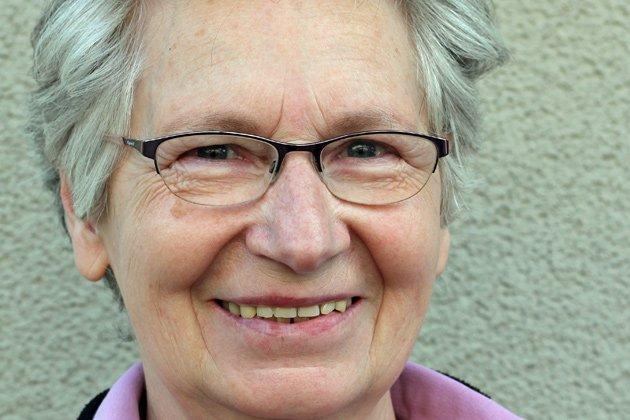 Das Bild zeigt ein Portrait von Jutta Brambach